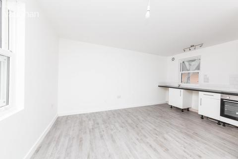 Studio to rent - Farncombe Road, Worthing, BN11
