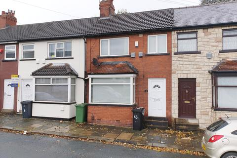 3 bedroom terraced house for sale - Southend Grove Bramley LS13 2AE