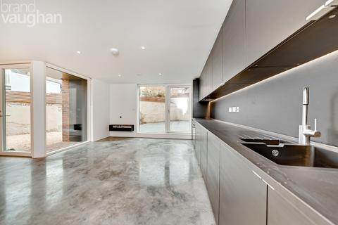 3 bedroom semi-detached house to rent - Brighton Mews, Cromwell Street, Brighton, East Sussex, BN2