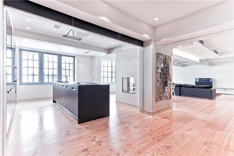 3 bedroom character property to rent - Marshall Street, Soho, London, W1F