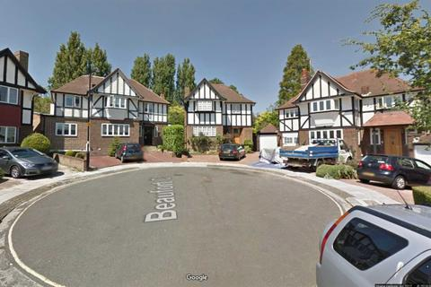 3 bedroom house to rent - Beaufort Close, London