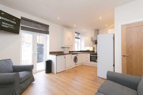 4 bedroom semi-detached house to rent - Alderson Road, Wavertree