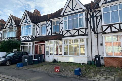 5 bedroom terraced house for sale - Bulstrode Avenue, Hounslow, Middlesex, TW3