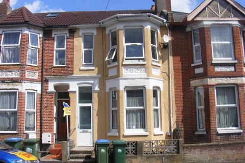 6 bedroom house to rent - Shakespeare Avenue, Portswood, Southampton, SO17