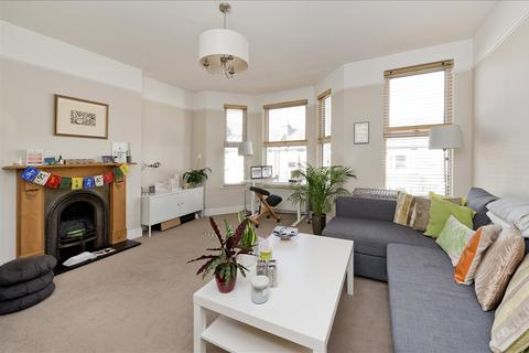 2 bedroom maisonette for sale - Hadyn Park Road, Shepherd's Bush W12