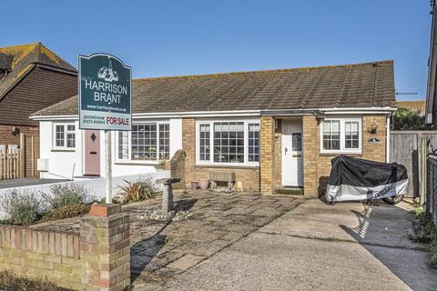 2 bedroom semi-detached bungalow for sale - Shoreham Beach