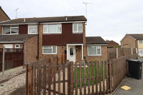 3 bedroom semi-detached house to rent - Masefield Road, Maldon