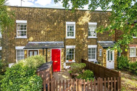 2 bedroom terraced house for sale - Blackmores Grove, Teddington, TW11