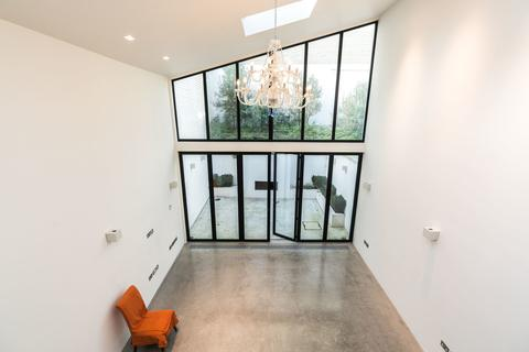 4 bedroom terraced house to rent - Abingdon Road, Kensington, London