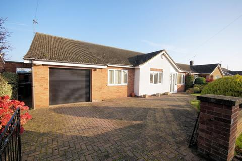 3 bedroom detached bungalow for sale - The Rise, Navenby
