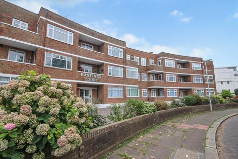 2 bedroom ground floor flat for sale - Hastings Court, Winchelsea Gardens, Worthing BN11 5DD