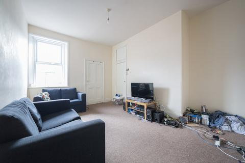 3 bedroom flat to rent - Warwick Street, Heaton, Newcastle Upon Tyne
