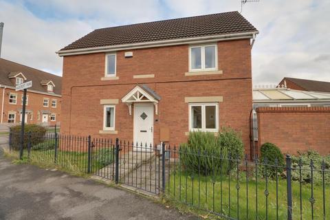 3 bedroom detached house for sale - Hale Croft Park, Kingswood