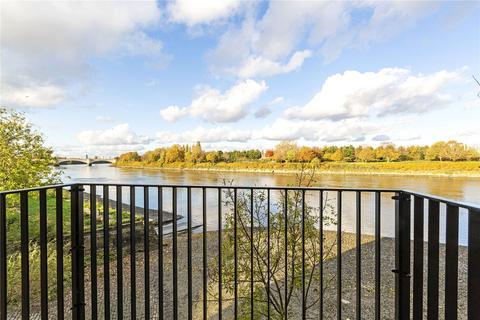3 bedroom flat for sale - Boat Race House, 63 Mortlake High Street, London, SW14