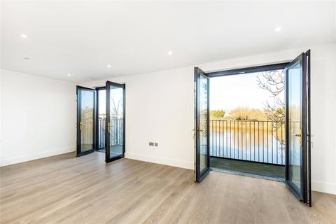 3 bedroom apartment for sale - Boat Race House, 63 Mortlake High Street, London, SW14