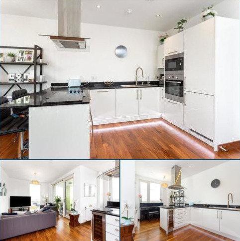 2 bedroom flat for sale - Gooch House, 2 Telcon Way, Greenwich, London, SE10
