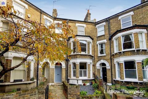 3 bedroom flat to rent - Heyford Avenue, London SW8