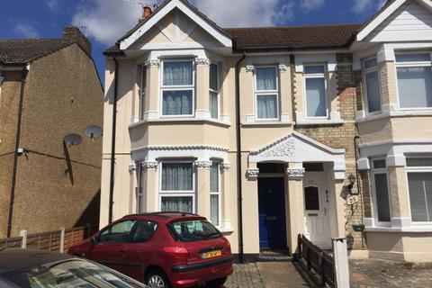 3 bedroom house to rent - Clydesdale Road, Hornchurch, Essex