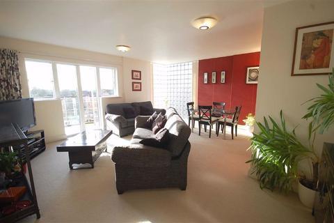 2 bedroom apartment to rent - Ruislip