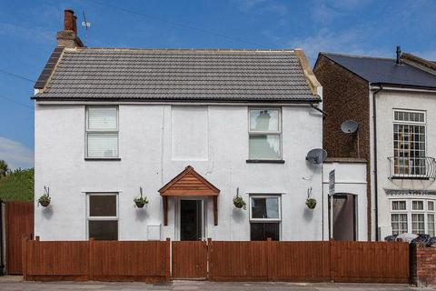 2 bedroom flat for sale - Nelson Road, Twickenham