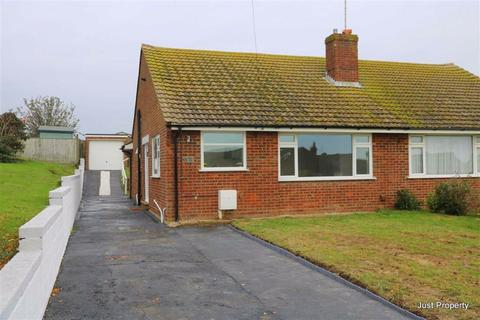 2 bedroom semi-detached bungalow for sale - Martyns Way, Bexhill On Sea