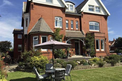 3 bedroom apartment to rent - Clifton Drive South, Lytham St. Annes, Lancashire