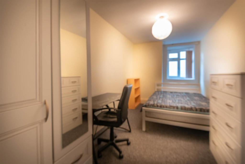 12a Tapton House Road Bedroom B.jpg