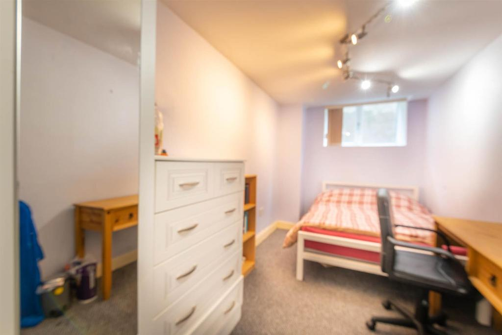 12a Tapton House Road Bedroom F.jpg