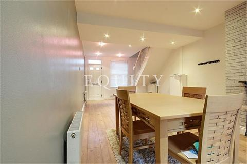 2 bedroom terraced house to rent - Harman Road, Enfield, EN1