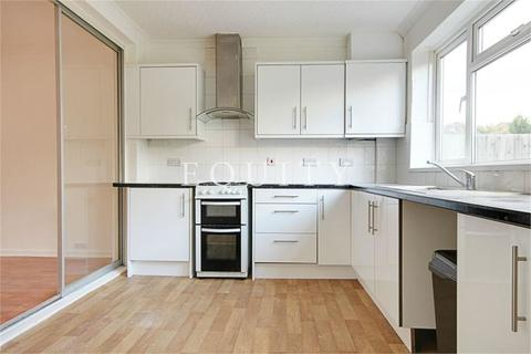 2 bedroom terraced house to rent - Roedean Avenue, Enfield, EN3