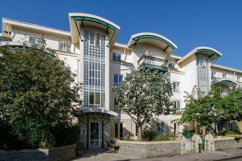 2 bedroom flat to rent - Grange Road, Clifton