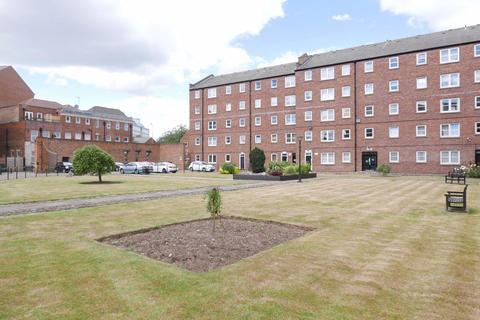 1 bedroom flat to rent - 26 Lister Court, High Street,  HU1 1NH