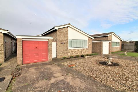 3 bedroom detached bungalow for sale - Philip Close, Walton On The Naze