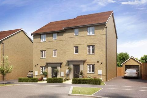 4 bedroom semi-detached house for sale - Plot 286, Hythie at Gilden Park, Gilden Way, Old Harlow, HARLOW CM17