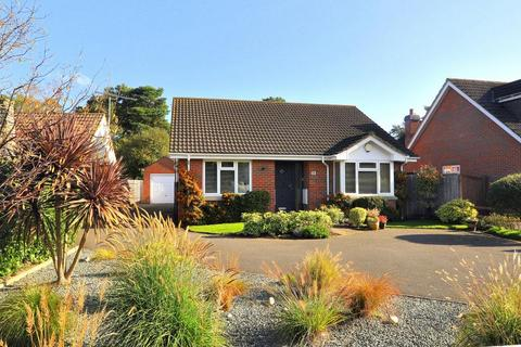 3 bedroom detached bungalow for sale - St Leonards, Ringwood, BH24 2PQ