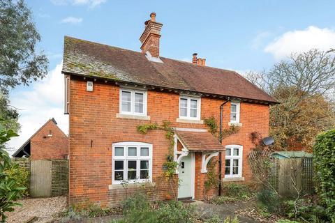 3 bedroom detached house for sale - Danes Road, Awbridge, Romsey, Hampshire, SO51