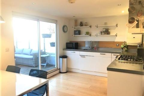 1 bedroom apartment to rent - A stylish one bedroom  apartment with fabulous terrace garden