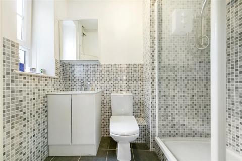 1 bedroom terraced house to rent - Cheylesmore House, Ebury Bridge Road, London, SW1W