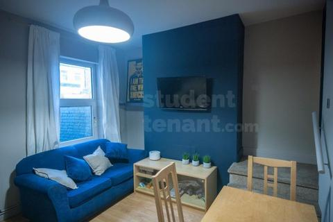 3 bedroom house share to rent - WALTER STREET