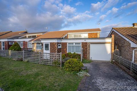 2 bedroom detached bungalow for sale - Martyns Close, Ovingdean, Brighton BN2