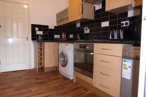 2 bedroom house share to rent - MANCHESTER ROAD