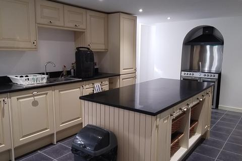 9 bedroom house share to rent - High Street