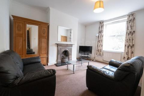 3 bedroom house share to rent - Clement Street