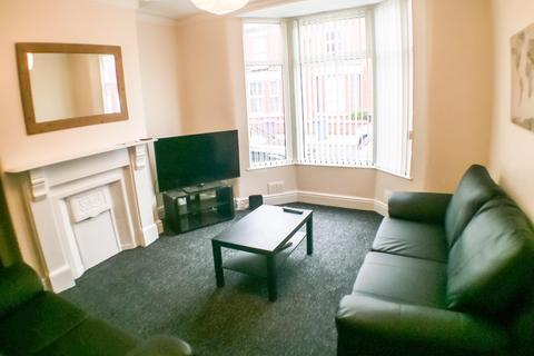 4 bedroom house share to rent - Avondale Road