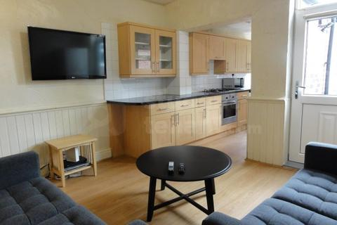 4 bedroom house share to rent - Alderson Place