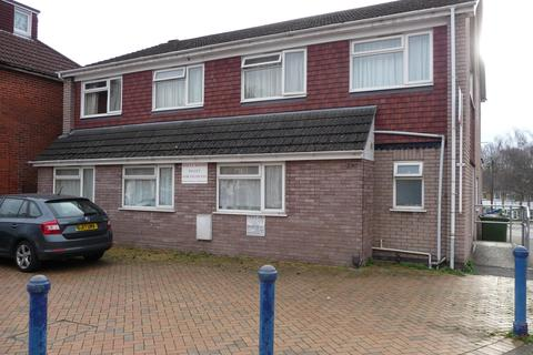 10 bedroom house share to rent - Burgess Road, Southampton, SO16