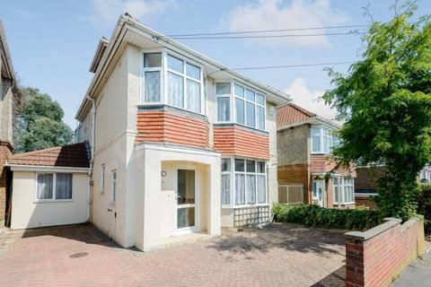 9 bedroom house share to rent - Pine Avenue