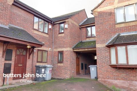3 bedroom end of terrace house for sale - Mayfield Mews, Crewe