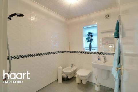 2 bedroom bungalow for sale - Victoria Drive, South Darenth, DA4