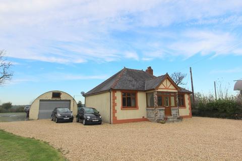3 bedroom detached bungalow for sale - Llanllwni, Pencader, SA39